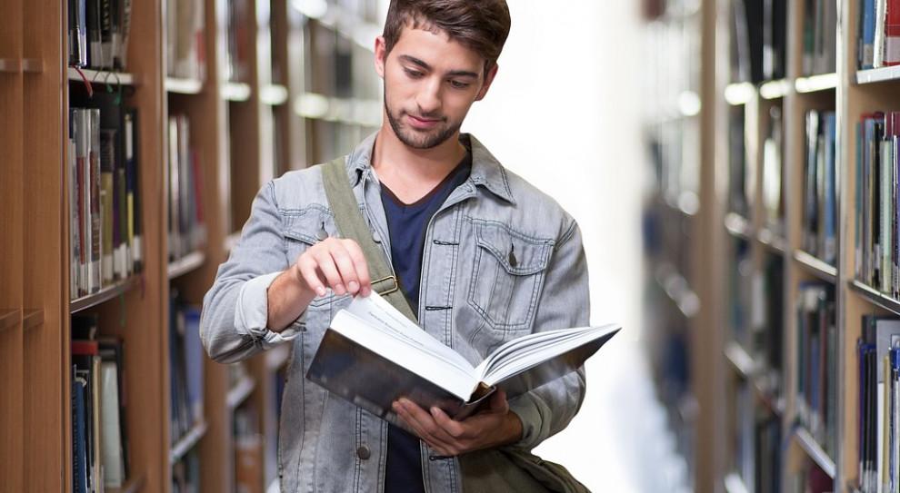 Będą wyższe stypendia dla wybitnych studentów