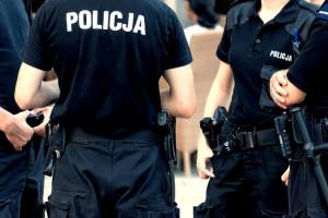 Policjanci dostaną 1 tys. zł nagrody. To zachęta do porzucenia protestu?