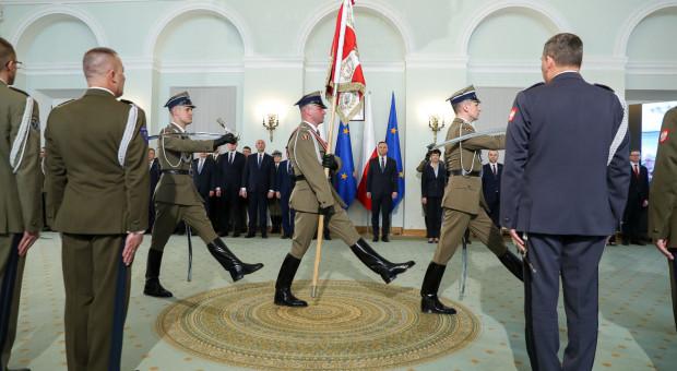 Będzie więcej generałów. Prezydent mianował dziewięciu oficerów