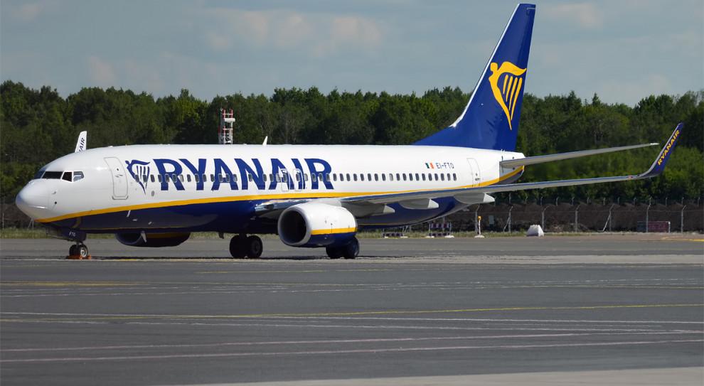 Ryanair zwolnił pracowników, którzy spali na podłodze w Hiszpanii