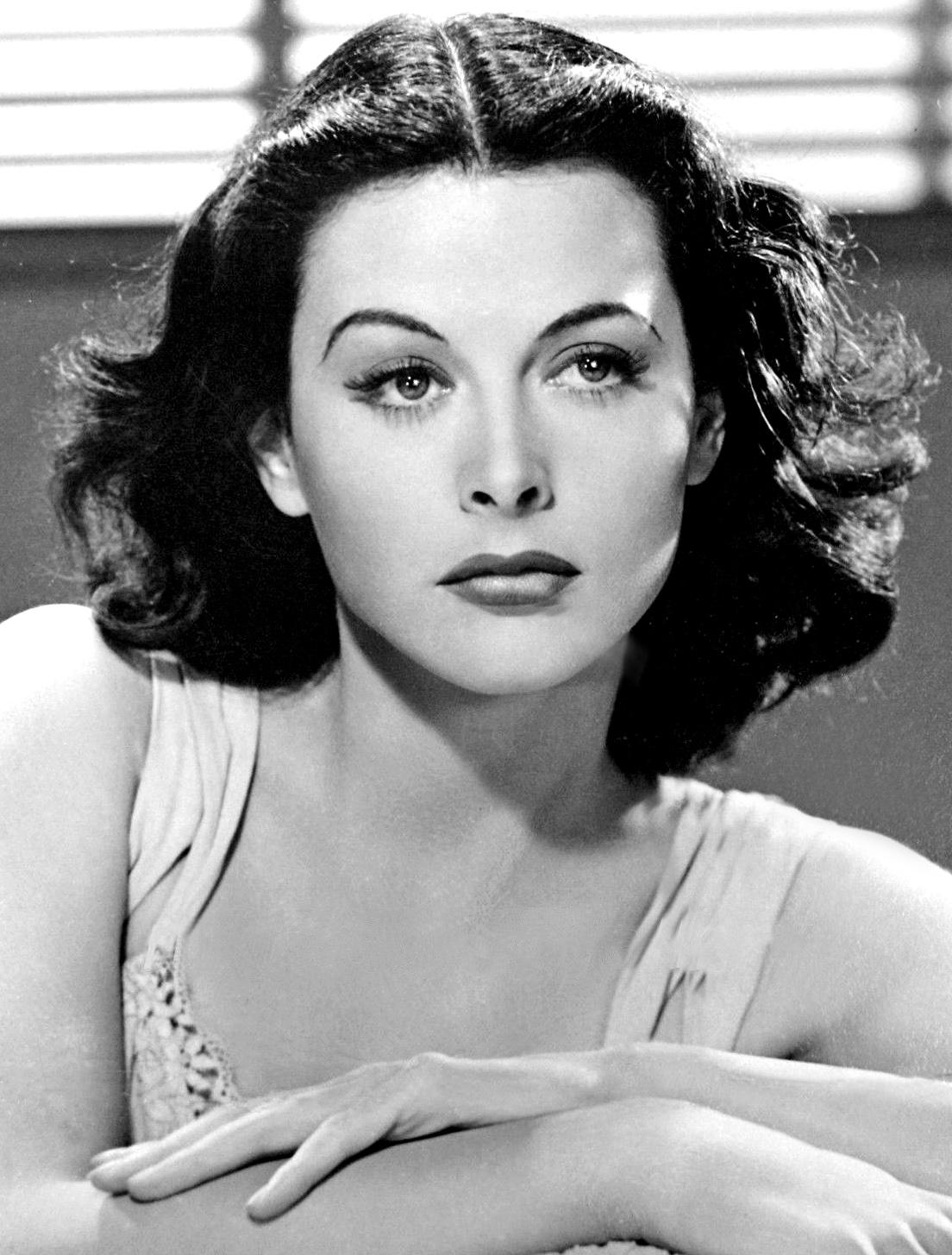 Hedy Lamarr u szczytu popularności aktorskiej w 1940 roku. (fot. wikimedia.org/domena publiczna)