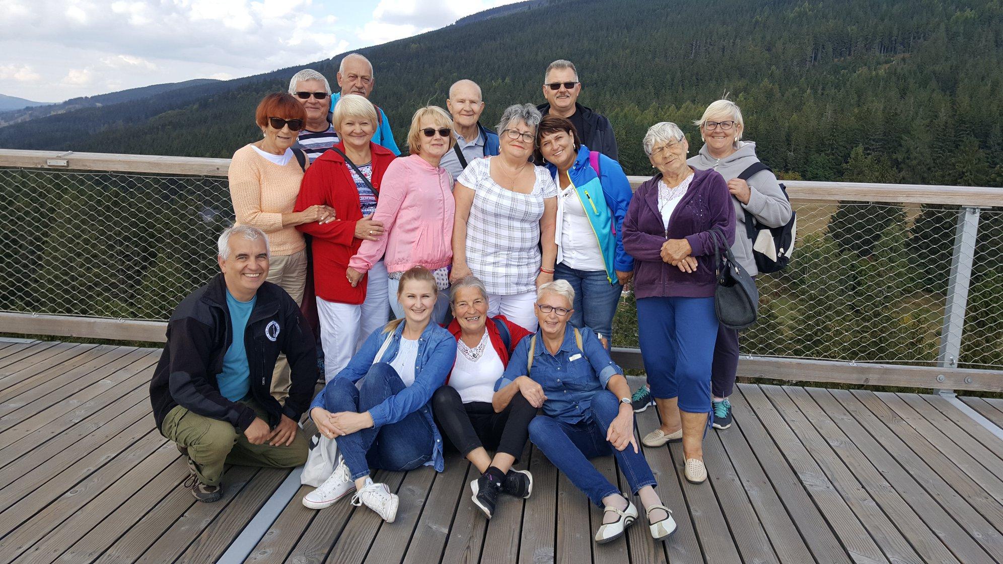 """Crusar prowadzi program """"Aktywny Senior"""", który jest skierowany do starszych członków rodzin pracowników. (Fot. mat. pras.)"""