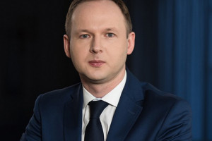 Chrzanowski rezygnuje z funkcji szefa KNF