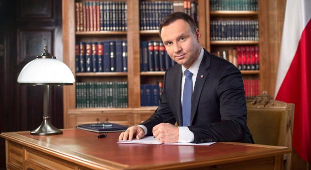 Andrzej Duda podpisał ustawę mającą zapewnić kadry medyczne w trakcie epidemii