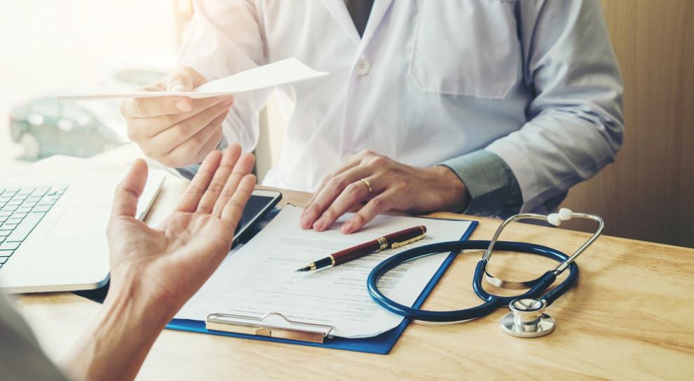 Medycy przeciwko obligatoryjnemu wprowadzeniu e-zwolnień