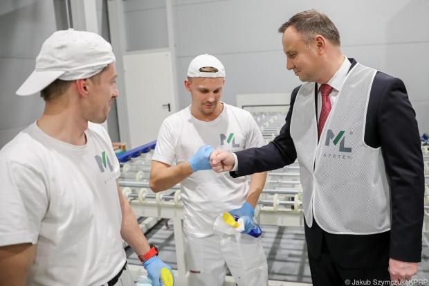Prezydent Andrzej Dudaodwiedził pracowników firmy ML System