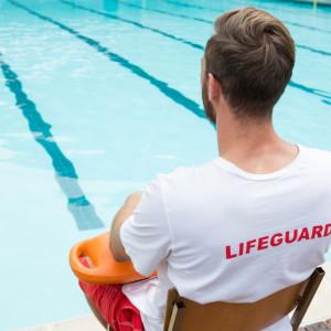 Rok więzienia w zawieszeniu dla ratownika w sprawie wypadku na basenie