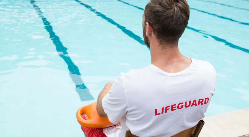 Kielce: rok więzienia w zawieszeniu dla ratownika w sprawie wypadku na basenie