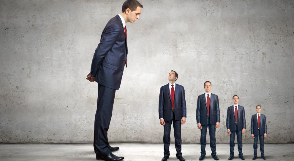 Trujący klimat w firmie. Kim jest niespełniony przywódca?