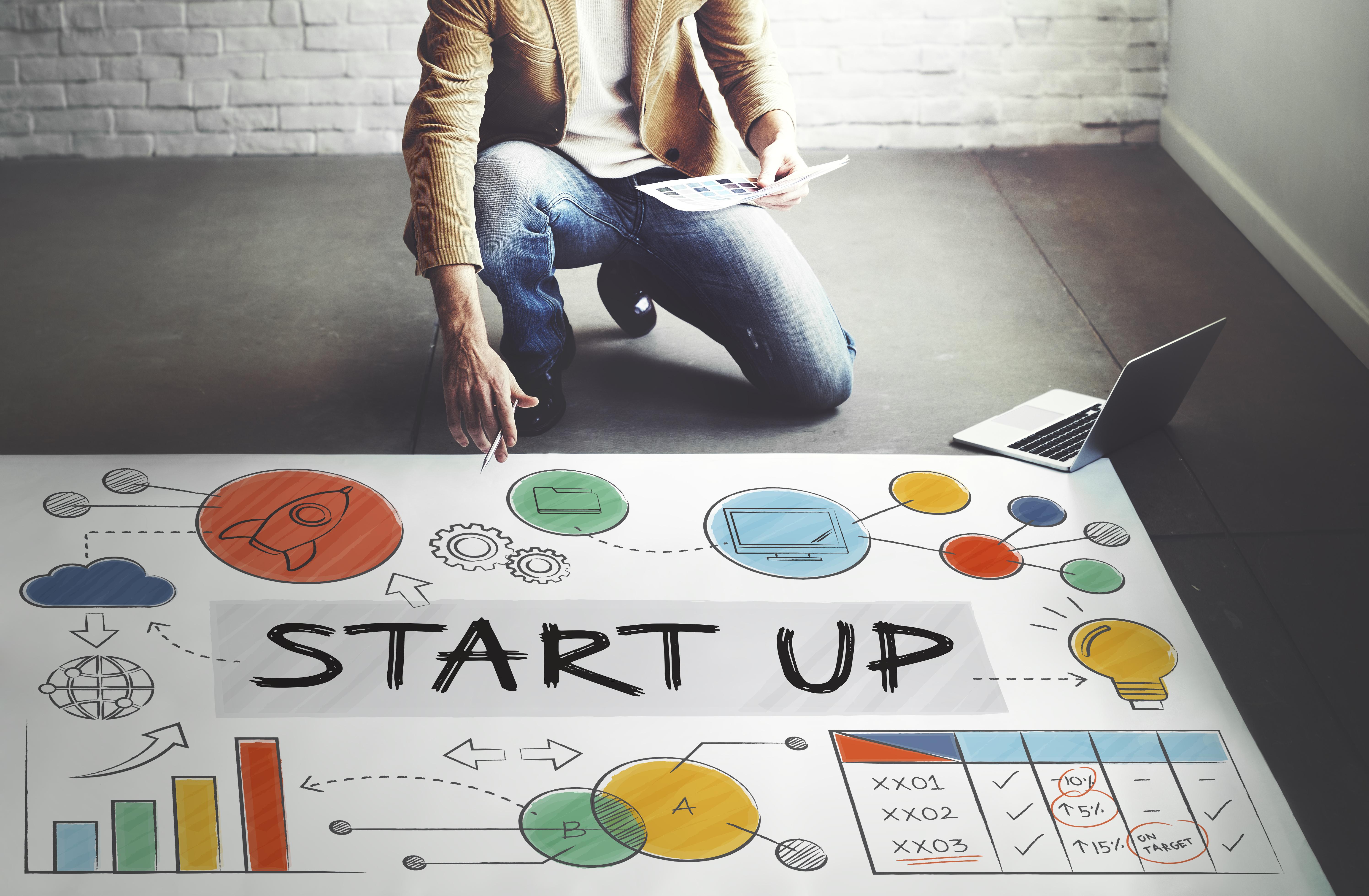 Interim manager może pełnić funkcję mentora, który uzupełni tzw. lukę kompetencyjną w zespole i podzieli się z nim specjalistyczną wiedzą. (Fot. Shutterstock)
