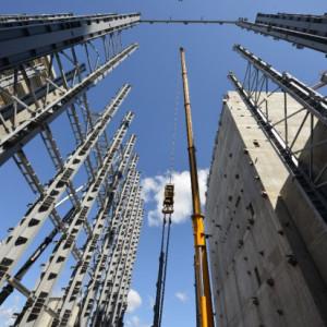 Mostostal Zabrze poprawia wyniki i sięga po pracowników z Azji