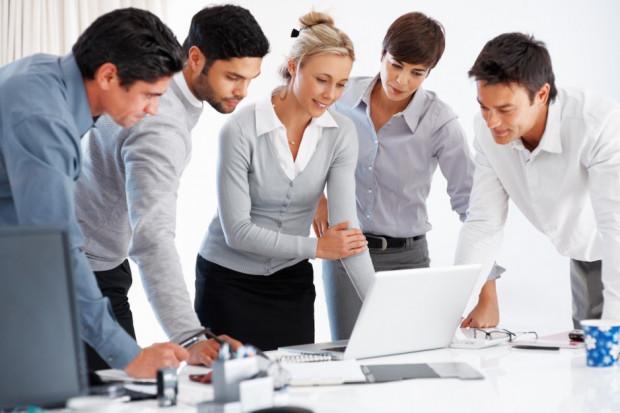 Eksperci: obecny rynek pracy wymaga innego spojrzenia. Urzędy pracy także do zmiany