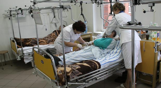 Agresywny pacjent zaatakował pielęgniarki
