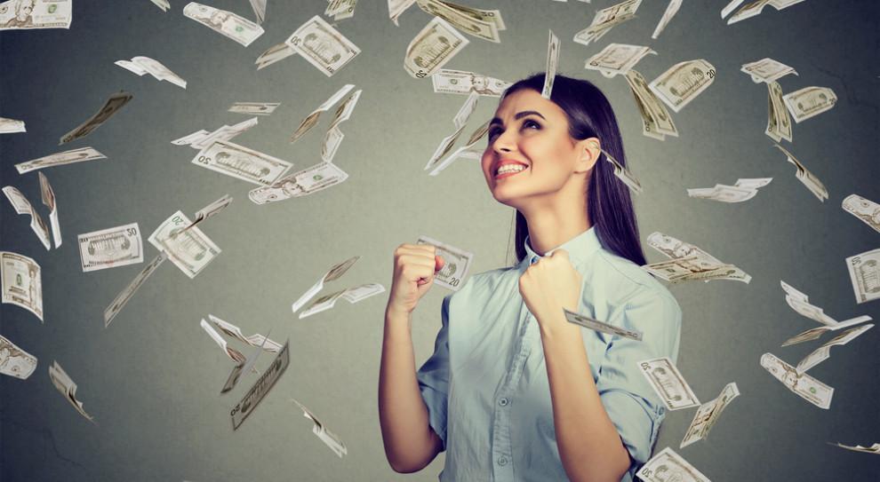 Pozytywna niespodzianka w wynagrodzeniach, ale zatrudnienie w dalszym ciągu hamuje