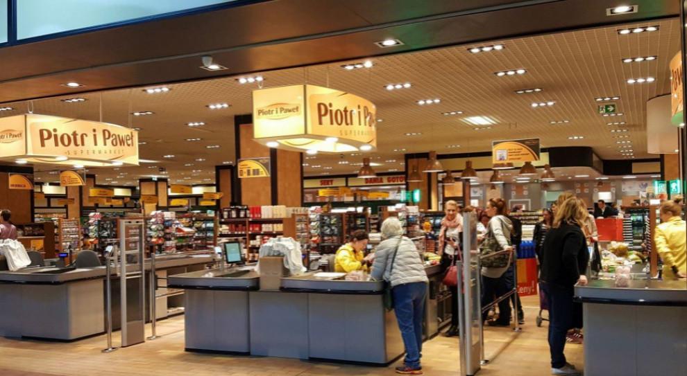 Pracownicy bez pensji, a w sklepach pustki? Piotr i Paweł komentuje