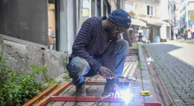 Imigranci, konsumenci czy pracownicy? Młoda Afryka emigruje na potęgę