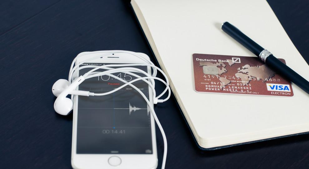 Pokolenie millenilalsów szuka mieszkań a kredyt biorą przez internet