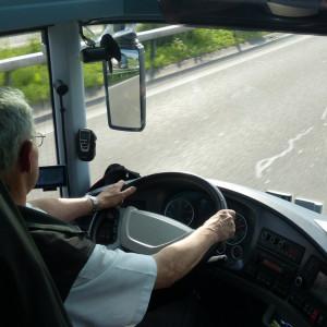 """Walczą z brakami wśród kierowców. Chcą """"ściągnąć"""" obcokrajowców"""