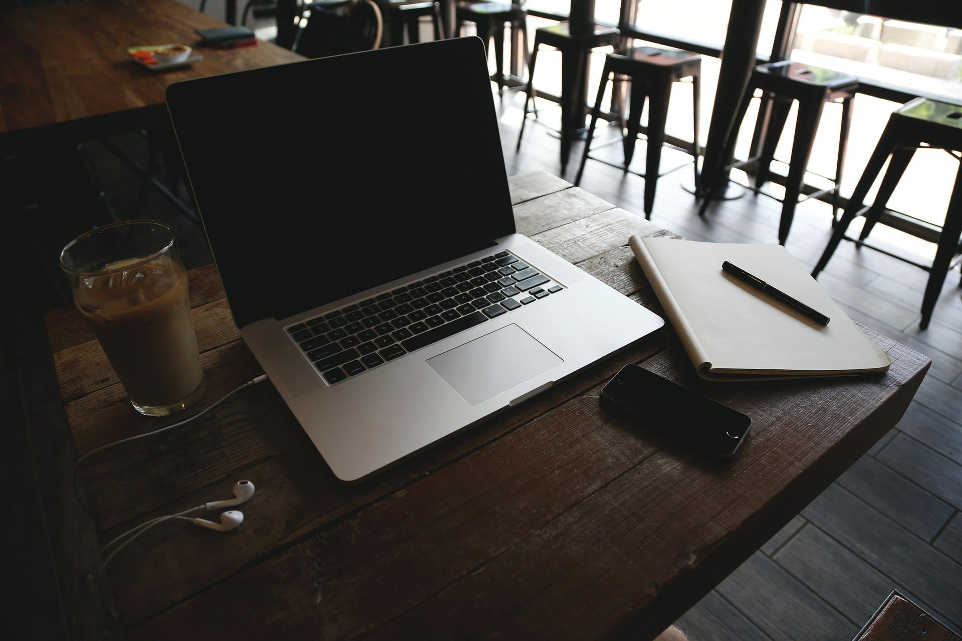 Rozwój firm technologicznych, które są utożsamiane z Doliną Krzemową był efektem rewolucji internetu w XXI w. (fot. pixabay.com)
