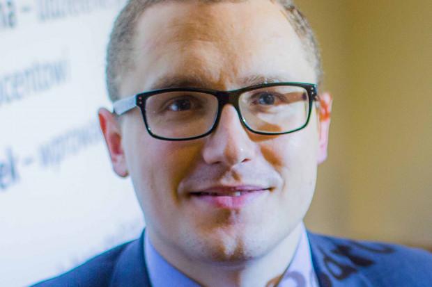 Dr Tomasz Olejniczak, Akademia Leona Koźmińskiego, współtwórca bazy najstarszych polskich firm