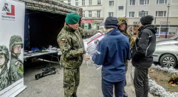 Mariusz Błaszczak: Ponad 3 tys. złożonych wniosków o przyjęcie do służby wojskowej