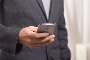 WUP w Opolu będzie uczył osoby w wieku 50+ używania smartfona