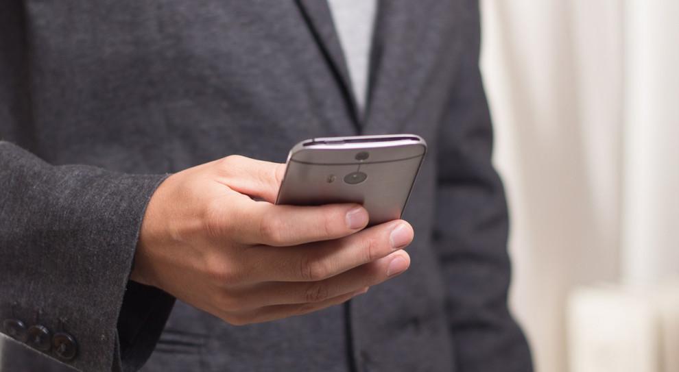 Informacja o zwolnieniu lekarskim pracownika przyjdzie SMS-em