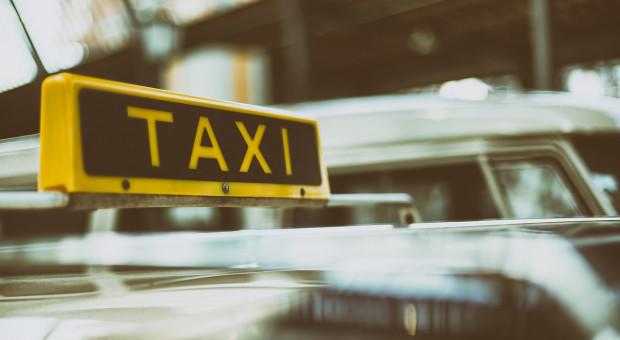 Uber coraz bardziej na cenzurowanym. Ostre protesty taksówkarzy w Madrycie