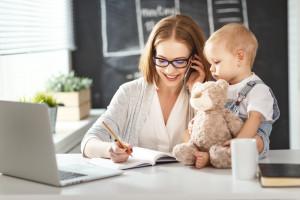 Rodzice będą mogli pracować krócej? Pracodawcy krytyczni wobec propozycji zmian