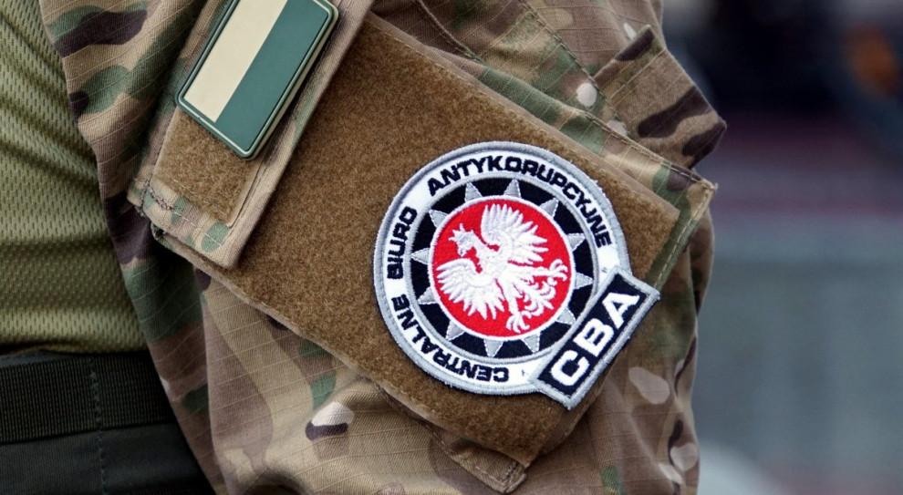 Czworo biznesmenów i naczelnik US w Jarosławiu wystawiali lewe faktury