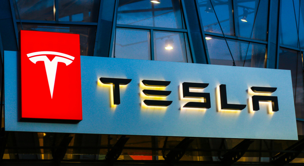 Tesla zmienia plany produkcyjne Modelu Y. Co z pracownikami?