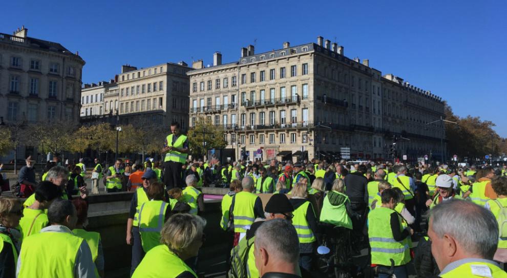Francuski rząd skapitulował przed protestującymi. Podwyżek akcyzy nie będzie