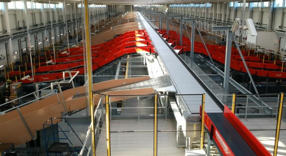 Jedno z centr logistycznych DHL, gotowe na szczyt logistyczny, który przypada w grudniu. (fot. DHL/materiały prasowe)