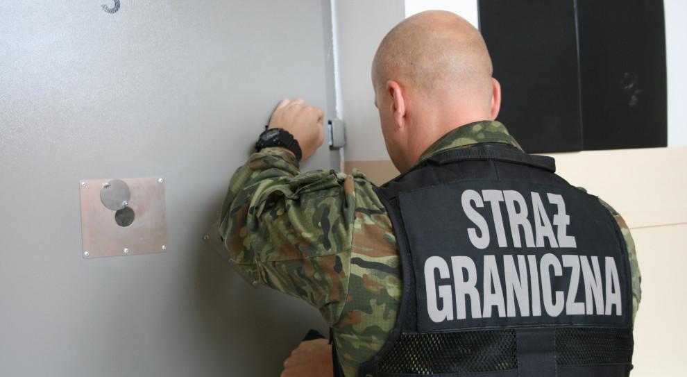Wietnamsko-polski gang przemytników ludzi zatrzymany pod Warszawą