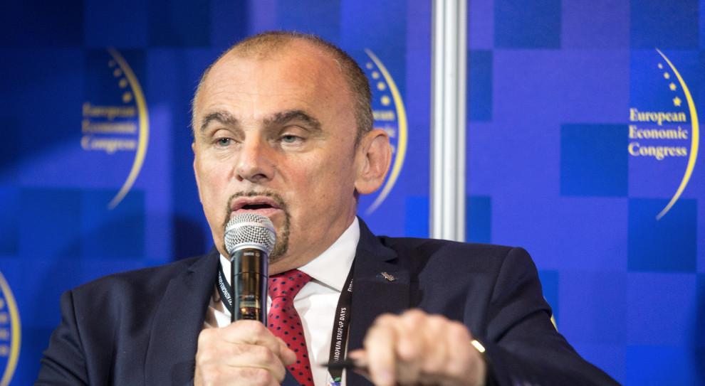 Zakaz handlu w niedziele dzieli Polaków? Alfred Bujara ostro o badaniach prawodawców