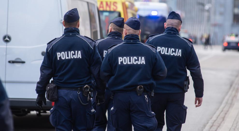 Zakaz dorabiania przez policyjnych emerytów. Petycja w Sejmie
