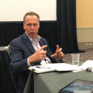 Bob Murphy: Nie chcemy oglądać filmu o rynku pracy i przemyśle. Chcemy go produkować