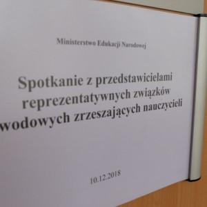 Zalewska i związkowcy negocjują nt. oceny pracy nauczycieli