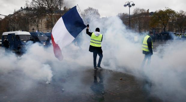 Zapowiedzi wypłaty nadgodzin bez podatków zażegnają kryzys we Francji?