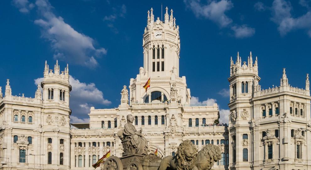 Podwyżki płacy minimalnej, które rządy w Madrycie akceptowały w ostatnich latach nie odbiegały od 4 proc. (fot. Madryt, pixabay.com)