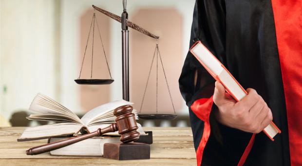 Pracownicy sądów dostaną podwyżki i nagrody