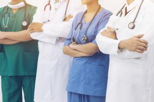 Zespół powołany na mocy porozumienia MZ i rezydentów chce zmian dot. zawodu lekarza