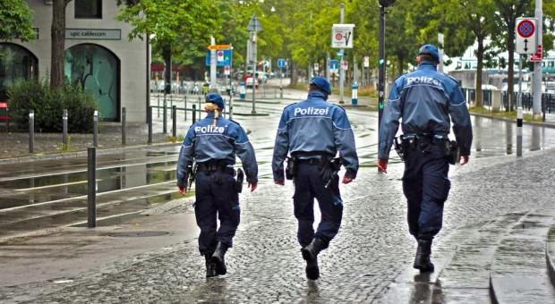 """""""Zamykamy komisariaty"""". Policjanci we Francji też chcą więcej zarabiać"""