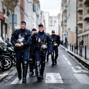 Paryż da więcej policji