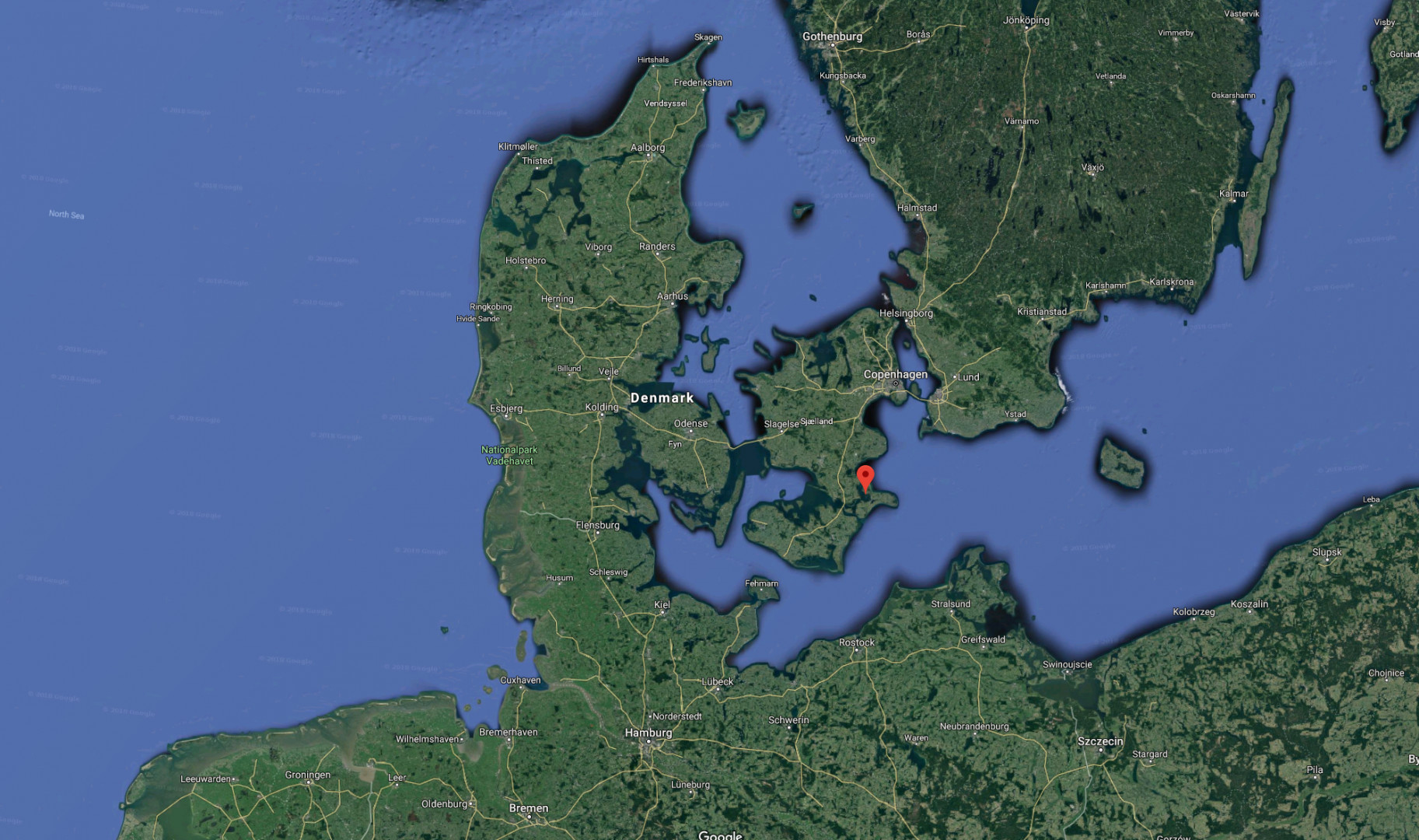 |Wyspa Lindholm to niewielki skrawek lądu przy wybrzeżach większej duńskiej wyspy Zealandii (Sjælland), na której leży Kopenhaga (fot. Google/google.com/maps)