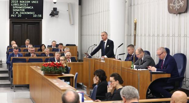Senat poparł podwyżkę najniższej emerytury do 1100 zł