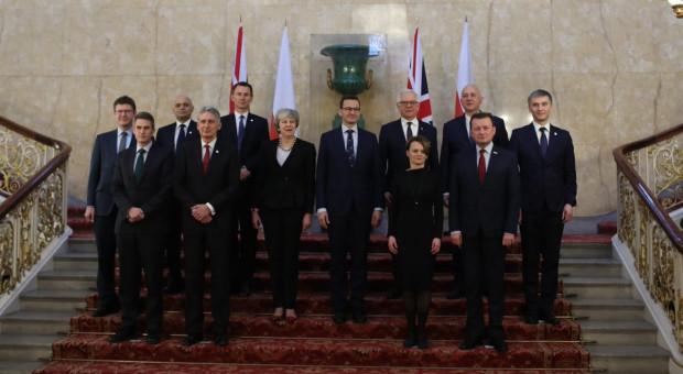 Morawiecki w Wielkiej Brytanii: Zapraszamy Polaków z powrotem do kraju