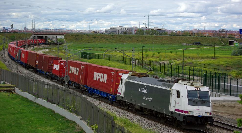 Strajk hiszpańskich kolejarzy sparaliżował ruch pociągów w całym kraju
