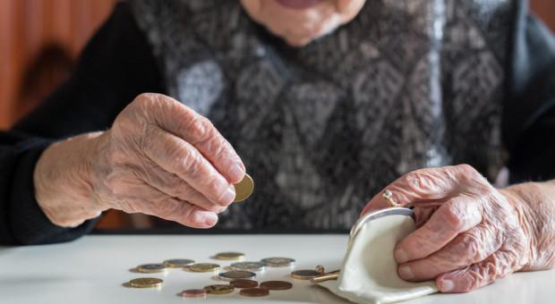 Prezydent podpisał nowelizację podnoszącą najniższą emeryturę w 2019 r.