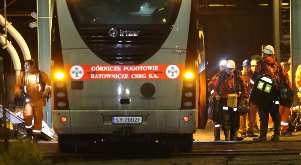 Katastrofa w kopalni w Karwinie. Stan rannych górników w nocy nie zmienił się